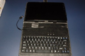 Viewsonic G-Tablet Case and USB Keyboard with Kick Stand
